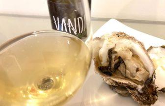 生牡蠣とワイン