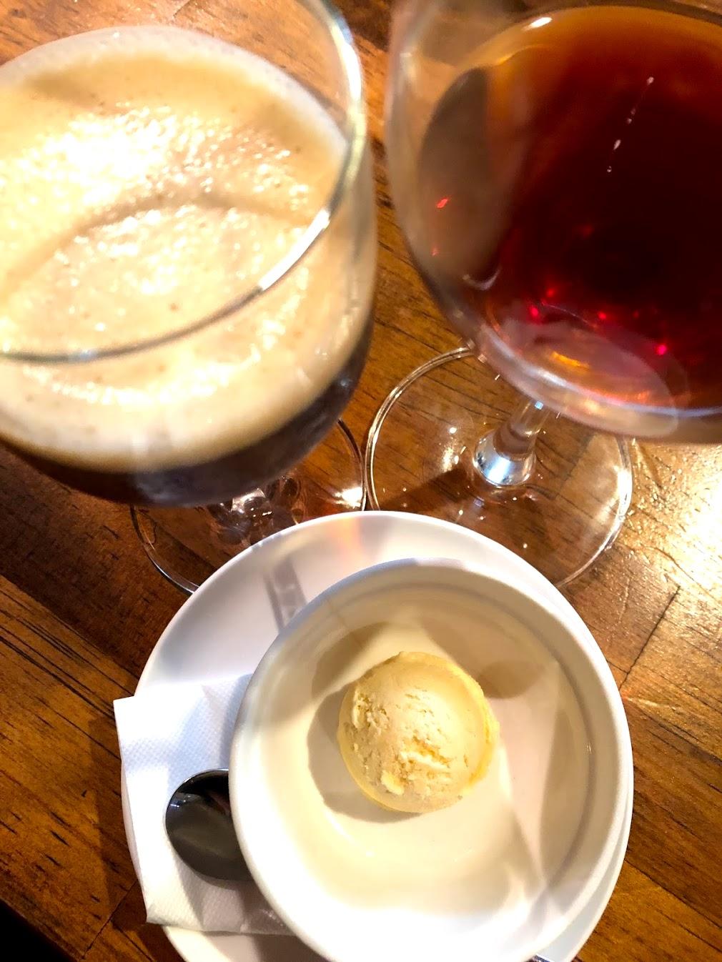 バニラアイスと赤ワイン