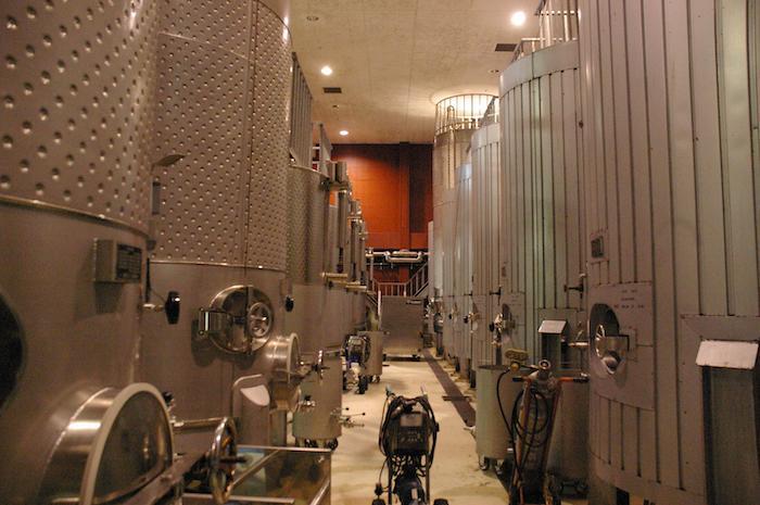 都農ワインタンク